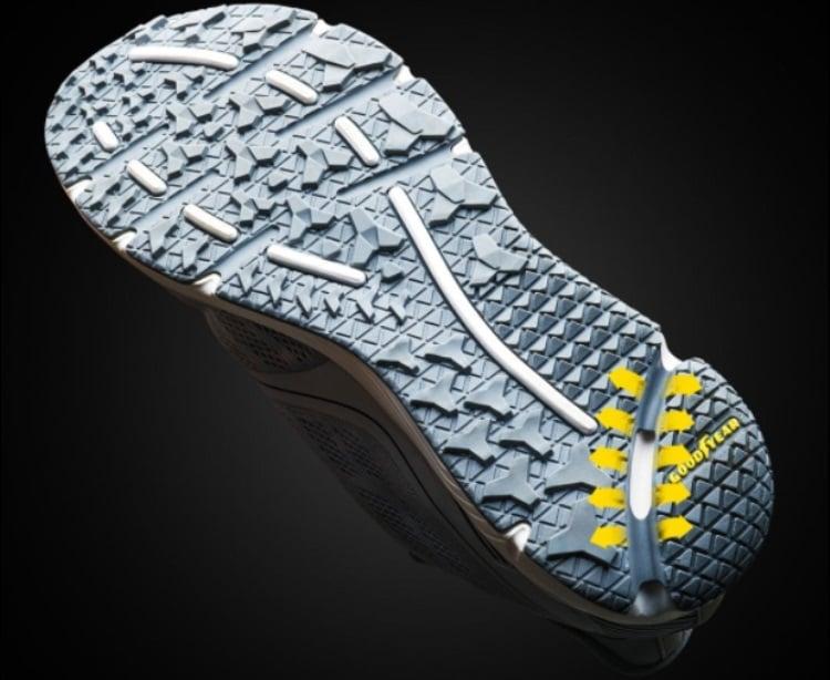 huami-sport-shoes-3.jpg