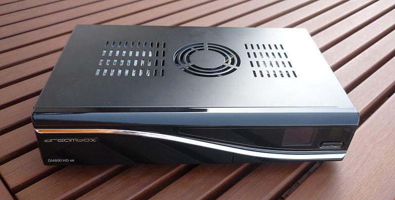 800px-Dreambox_800SE_01_oben.jpg